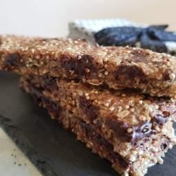 Barre de céréales gourmande : datte, cacao et beurre de cacahuètes